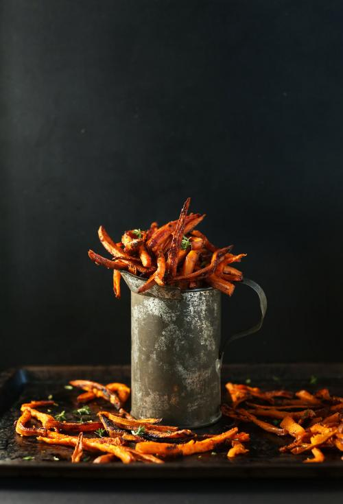 Simple Baked Sweet Potato Fries with Cajun Spice! #vegan #glutenfree
